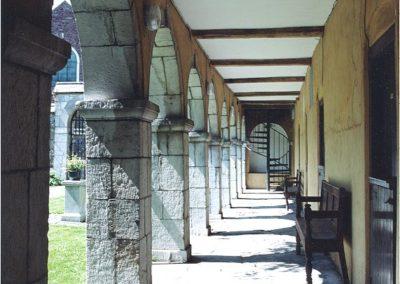 skiddys-almhouse-cloister
