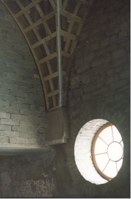 vaulted-ceiling-donerail-house